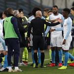 Mecz w Marsylii przerwany na pół godziny po wybuchu petardy