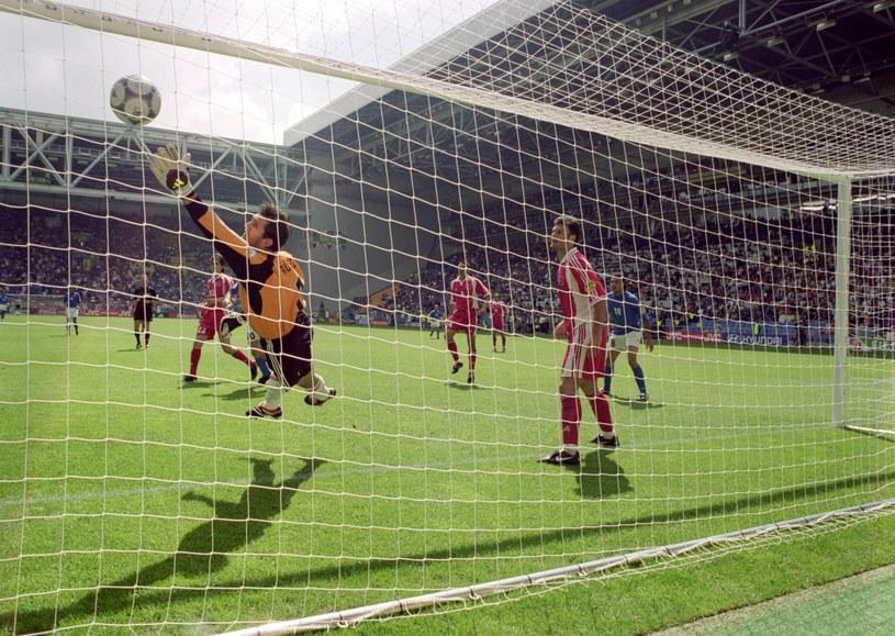 Mecz Włochy - Turcja na Euro 2000 odbył się już drugiego dnia turnieju. Na Euro 2020 Turcja - Włochy to mecz otwarcia /Graham Chadwick / Allsport /Getty Images