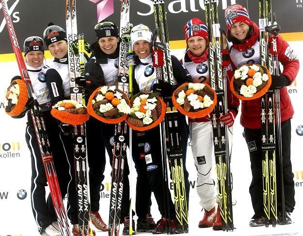 Medalistki MŚ w Oslo w sprincie drużynowym /AFP