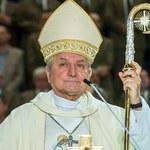 Media: Bp Janiak, wbrew nakazowi Watykanu, przebywa na terenie diecezji kaliskiej