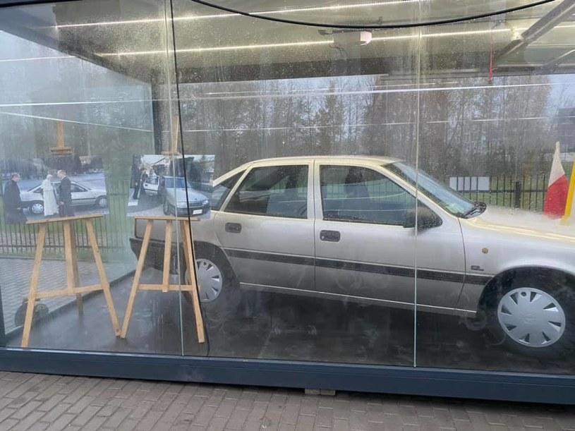 Media informują, że samochód z Radzymina to relikwia drugiego stopnia /Sanktuarium św. Jana Pawła II w Radzyminie - Nasz Papież /facebook.com