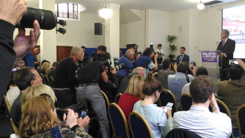 Media na ostatnim przemówieniu Nigela Farage'a /INTERIA.PL