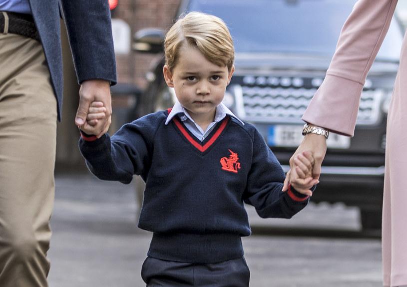 Media uwielbiają księcia George'a za jego spontaniczność. Miny chłopca często są tematem żartów /Getty Images