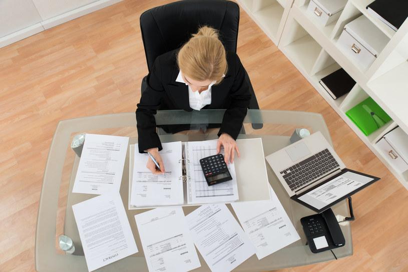 Mediana wynagrodzenia całkowitego w księgowości wyniosła 4457 zł brutto miesięcznie /123RF/PICSEL