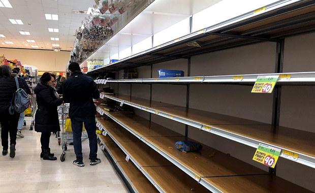 Mediolan przerażony koronawirusem. Polski ksiądz: W sklepach puste półki, nie ma wody, chleba