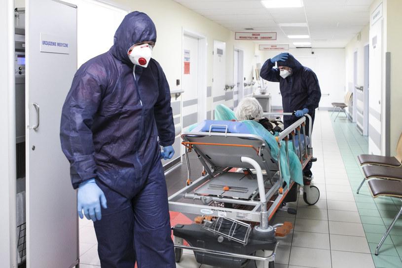 Medycy z czerwonej strefy /Jacek Szydlowski /Agencja FORUM