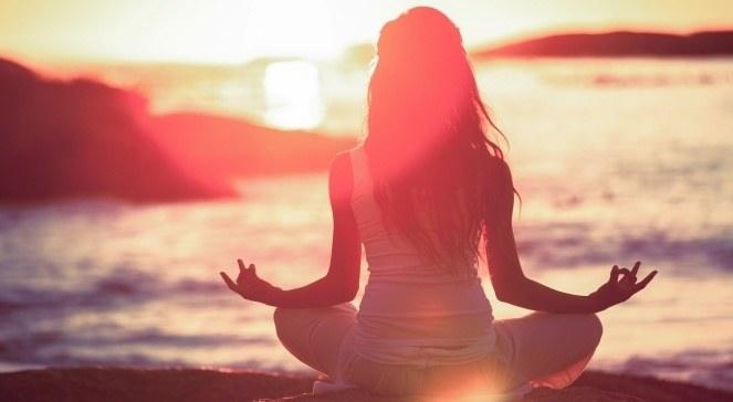 Medytacja Mindfulness zalety /© Photogenica
