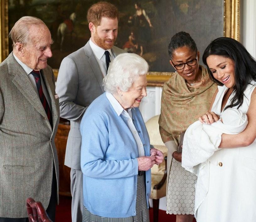 """Meghan Markle i Harry zostali drugi raz rodzicami. Uczcili królową Elżbietę II nadając córce imię, które pochodzi od imienia """"Elizabeth"""", czyli Lilibet /Chris Allerton / copyright SussexRoyal/Press Association/East Ne /East News"""