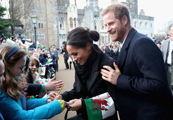 Meghan Markle i książę Harry podczas wizyty w Cardiff /Getty Images