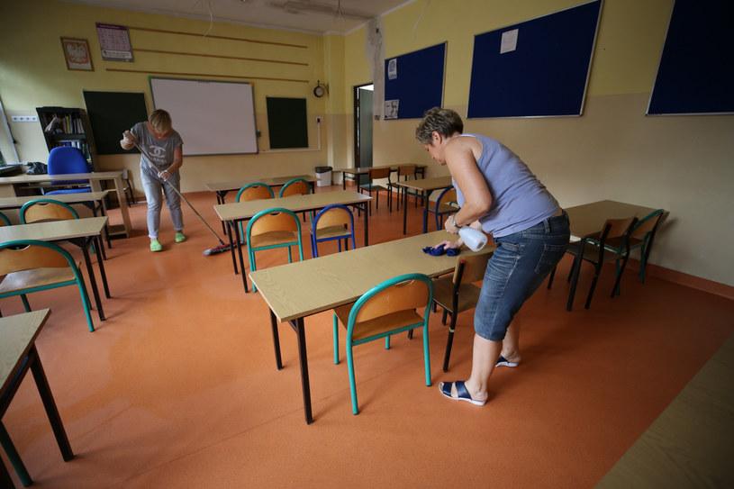 MEiN opublikowało wytyczne dotyczące powrotu do szkół. Według nauczycieli i ekspertów są one jednak niewystarczające /MARZENA BUGALA POLSKA PRESS/Polska Press/East News /East News