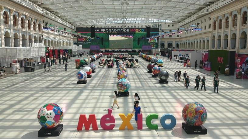 Meksykanie zarezerwowali wynajem słynnego budynku Gostiny Dvor już dwa lata temu /Rafał Walerowski /INTERIA.PL