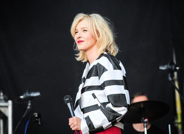 Mela Koteluk na scenie - fot. IOLSZANKA /East News