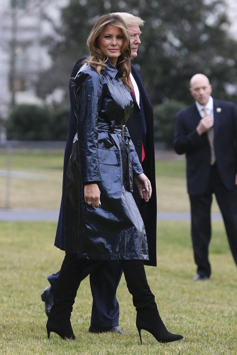 Melania Trump w granatowym płaszczu /Polaris Images /East News