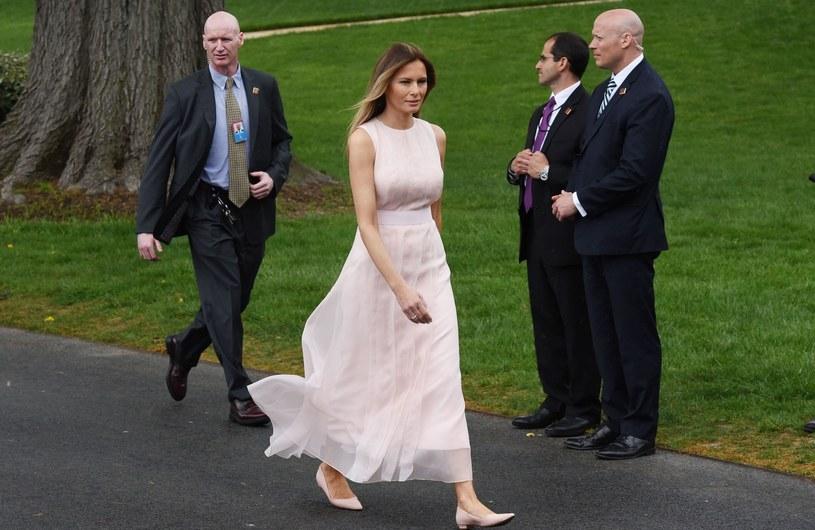 Melania w długiej, zwiewnej sukni /East News
