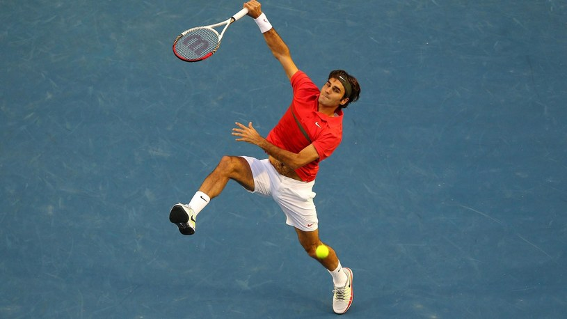 MELBOURNE, AUSTRALIA - JANUARY 26: Roger Federer of Switzerland plays a forehand smash in his semifinal match against Rafael Nadal of Spain during day eleven of the 2012 Australian Open at Melbourne Park on January 26, 2012 in Melbourne, Australia /Getty Images