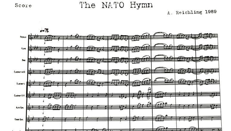 Melodię skomponował dyrygent luksemburskiej orkiestry wojskowej kapitan Andre Reichling. /NATO /