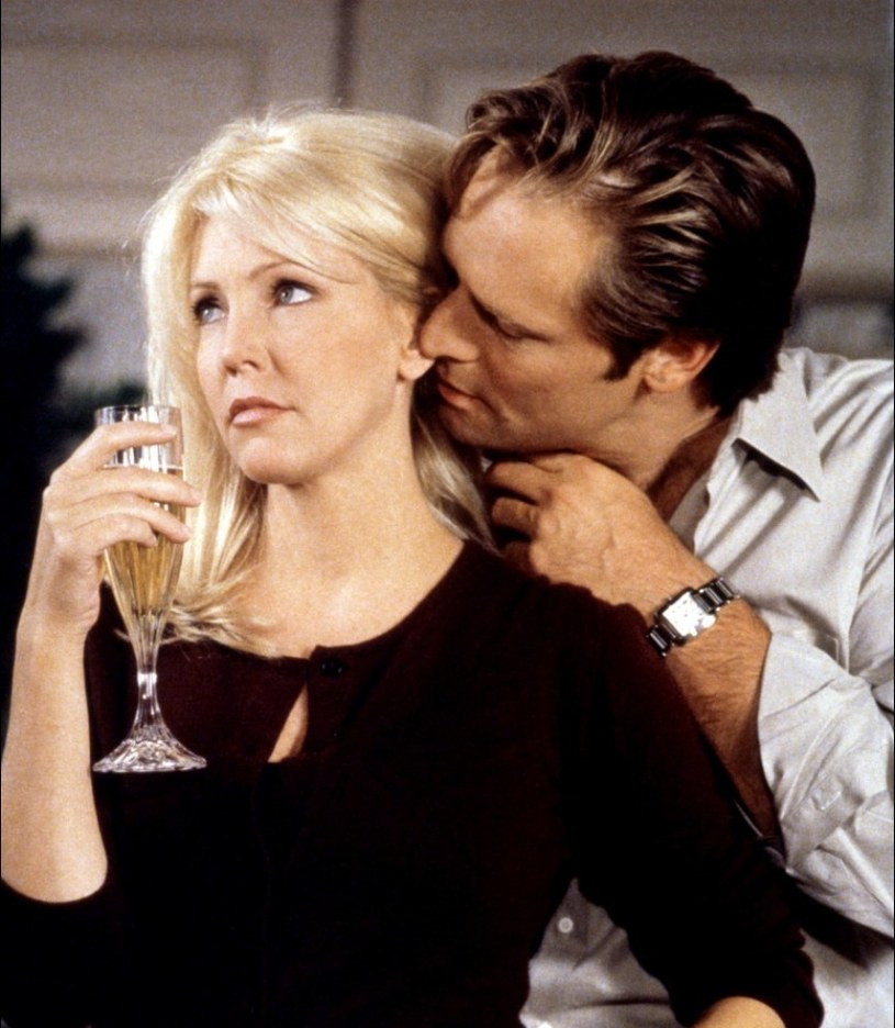 """""""MELROSE PLACE"""" /1993-99/ Stała się ikoną małego ekranu grając Amandę Woodward – seksownego wampa. /materiały prasowe"""