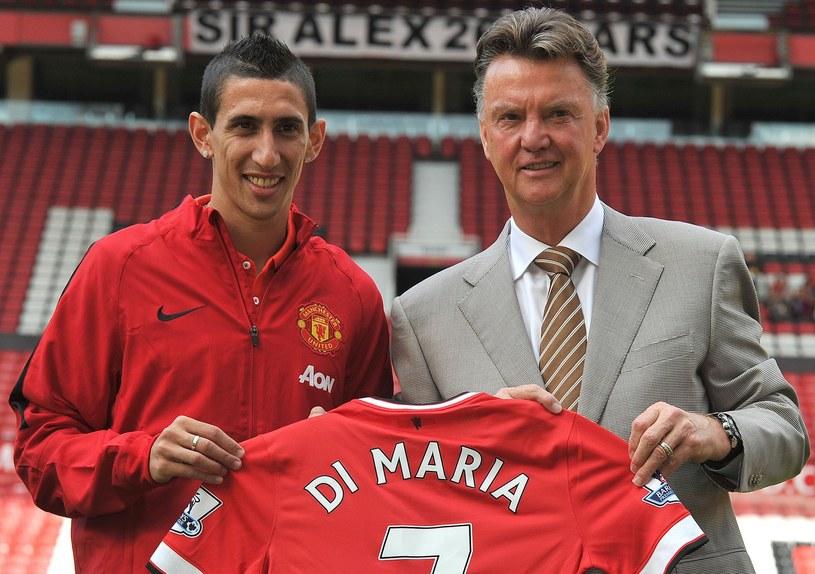 Menedżer Man Utd Louis van Gaal i Angel Di Maria /AFP