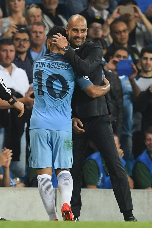 Menedżer Manchesteru City Pep Guardiola i Sergio Aguero /AFP