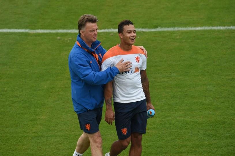 Menedżer Manchesteru United Louis van Gaal jest zwolennikiem talentu Memphisa Depaya /AFP