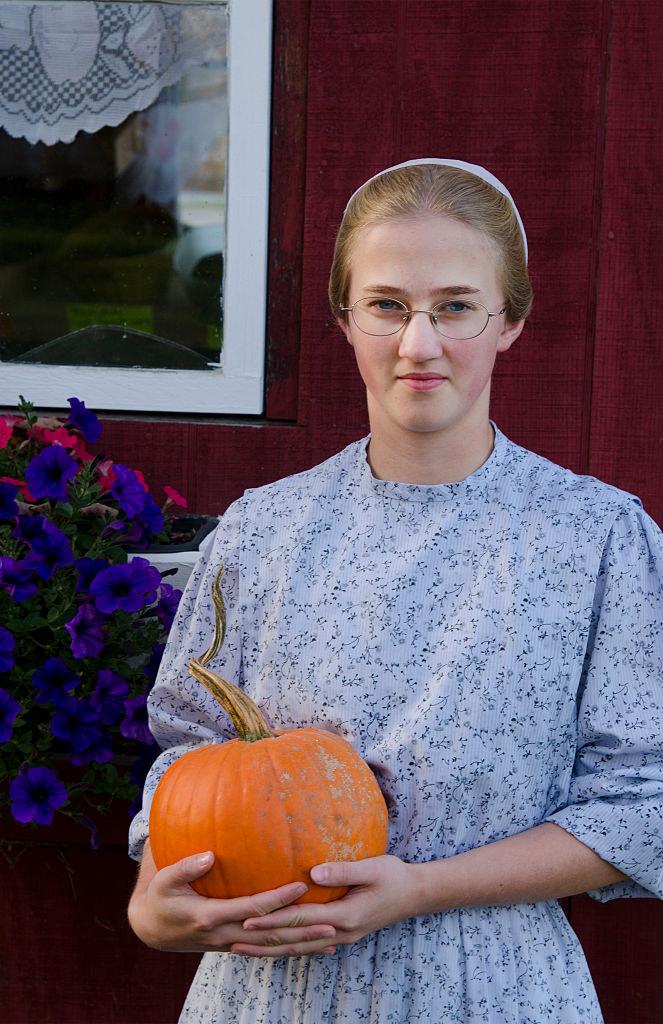 Mennonicka młoda kobieta z Wolcott w Vermont /Education Images / Contributor /Getty Images
