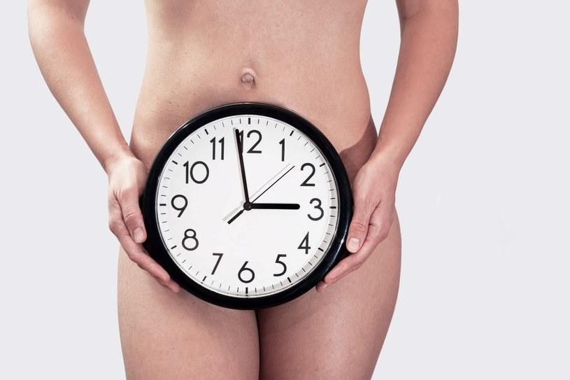 Menstruacja nie chroni przed zajściem w ciążę /123RF/PICSEL