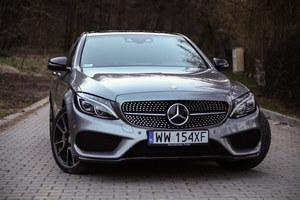 Mercedes C 450 4MATIC.  Łagodna (i tańsza) magia AMG