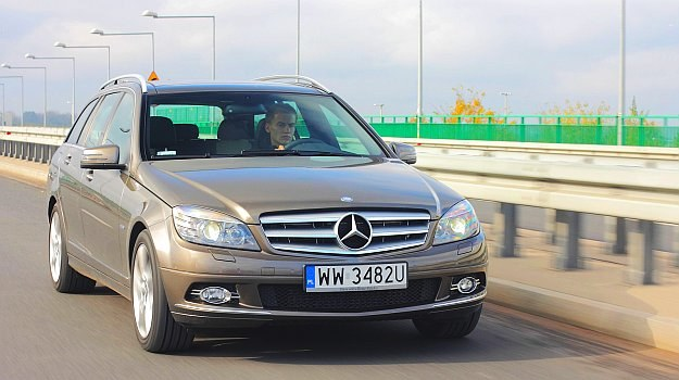 Mercedes C W204 /Motor