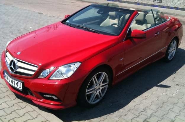 Mercedes cabrio, czyli topless dla bogatych /