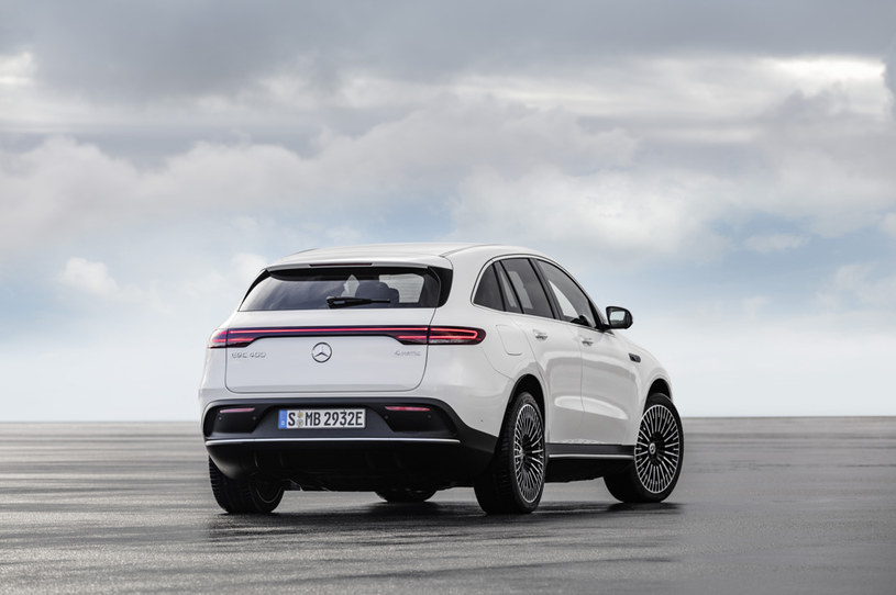 Mercedes EQC /