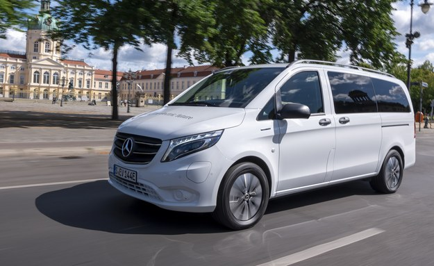 Mercedes eVito Tourer /