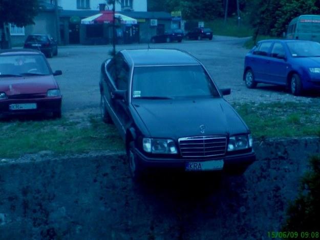 Mercedes na krawędzi