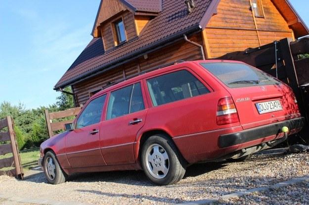 Mercedes S124 - może i stary, ale lepszy, niż ci się wydaje /INTERIA.PL