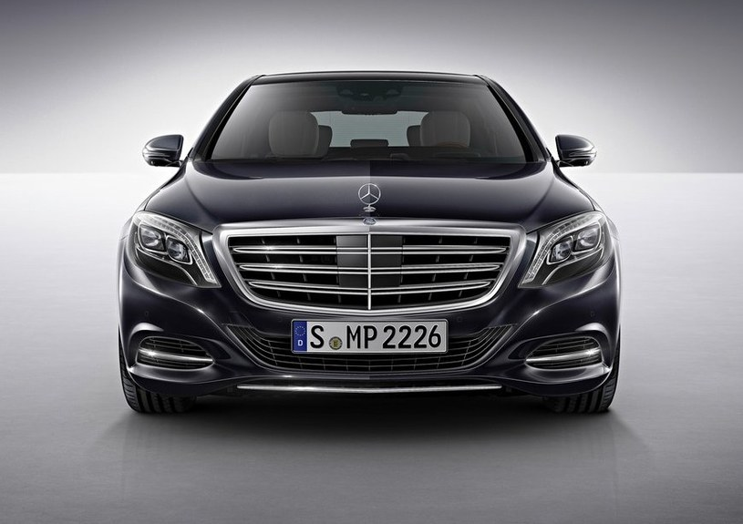Mercedes S600 /