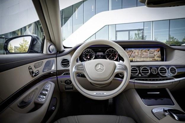 Mercedes S65 AMG /