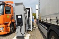 Mercedes wybierze baterie czy wodĂłr?