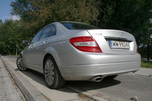 Mercedesy klasy C mają problemy z tylnymi światłami /INTERIA.PL