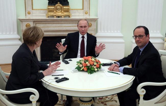 Merkel, Putin i Hollande w trakcie rozmów /PAP/EPA/SERGEI ILNITSKY /PAP/EPA