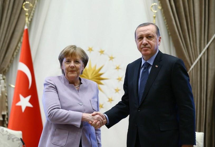 Merkel wzywa Erdogana do przestrzegania podziału władz /PAP/EPA