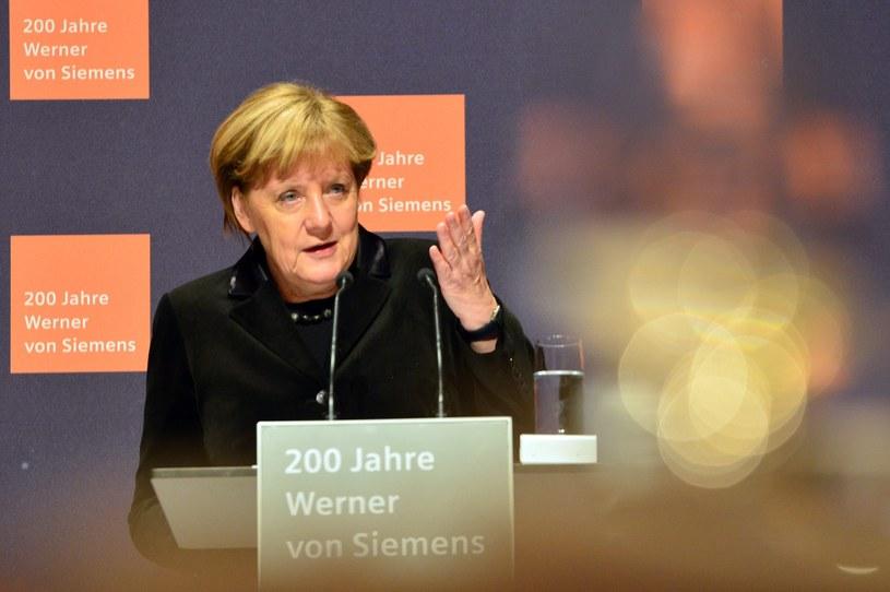 Merkel za wstrzymaniem negocjacji akcesyjnych z Turcją /PAP/EPA