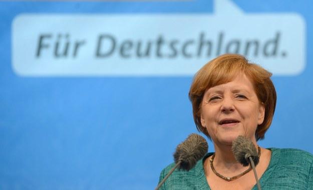 Merkel zapewnia, że nic nie wiedziała o szpiegowskich praktykach służb amerykańskich /MARCUS BRANDT /PAP/EPA