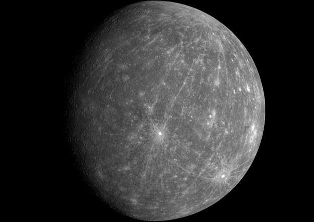 Merkury sfotografowany w 2008 roku przez sondę MESSENGER. /NASA