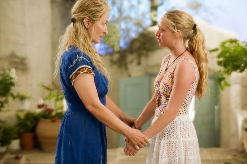 """Meryl Streep i Amanda Seyfried w filmie """"Mamma Mia!"""" /materiały prasowe"""
