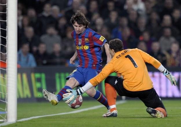 Messi nic nie robił sobie z defensywy gości /AFP