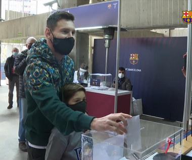 Messi zagłosował wyborach na prezydenta Barcelony. Gwiazdorowi towarzyszył syn. Wideo