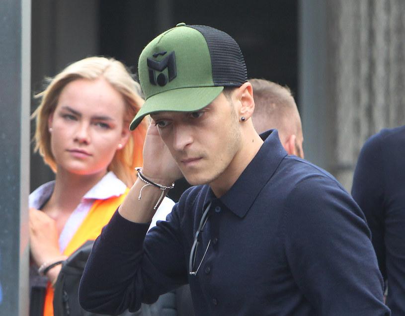Mesut Oezil po powrocie z mundialu /AFP