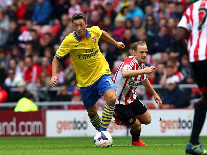 Mesut Oezil w barwach Arsenalu /PAP/EPA