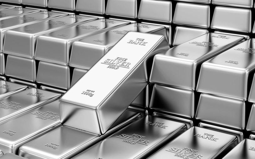 Metale szlachetne zyskują na znaczeniu wśród inwestorów. /123RF/PICSEL