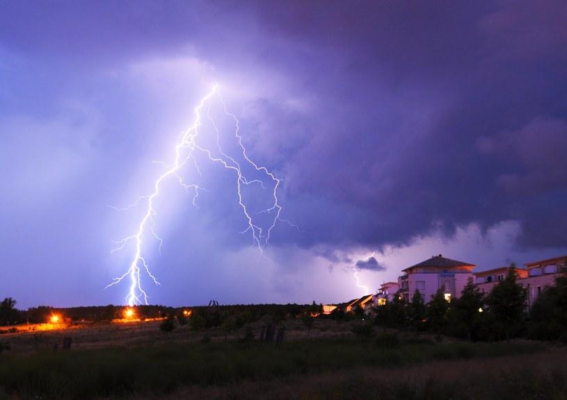 Meteorolodzy ostrzegają przed burzami /123RF/PICSEL