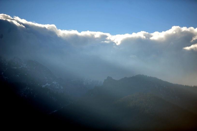 Meteorolodzy ostrzegają zwłaszcza przed halnym, który ma wiać w Tatrach /M. Lasyk /Reporter